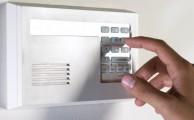 Számítógépes rendszerek otthon: Nem egyszerű feladat egy lakásból irodát varázsolni, de türelemmel, némi kreativitással komoly informatikai rendszereket is össze lehet állítani kis helyen is.