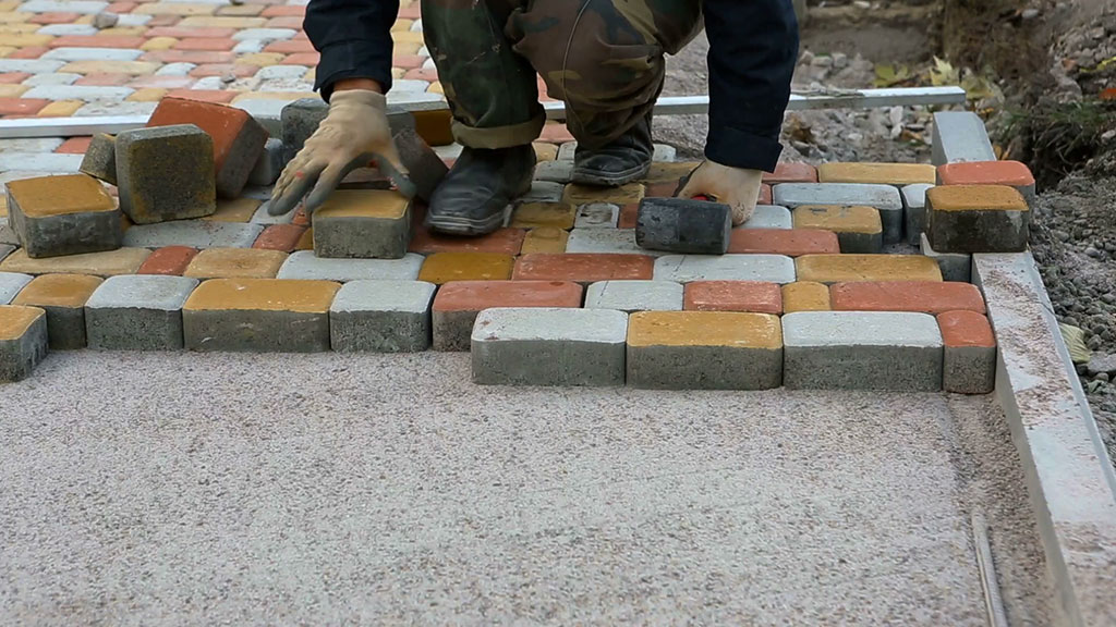 Térkő lerakása beton felületre. Valóban lehetséges?