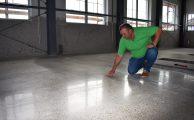 Az ipari padló kiválasztása és felhelyezése